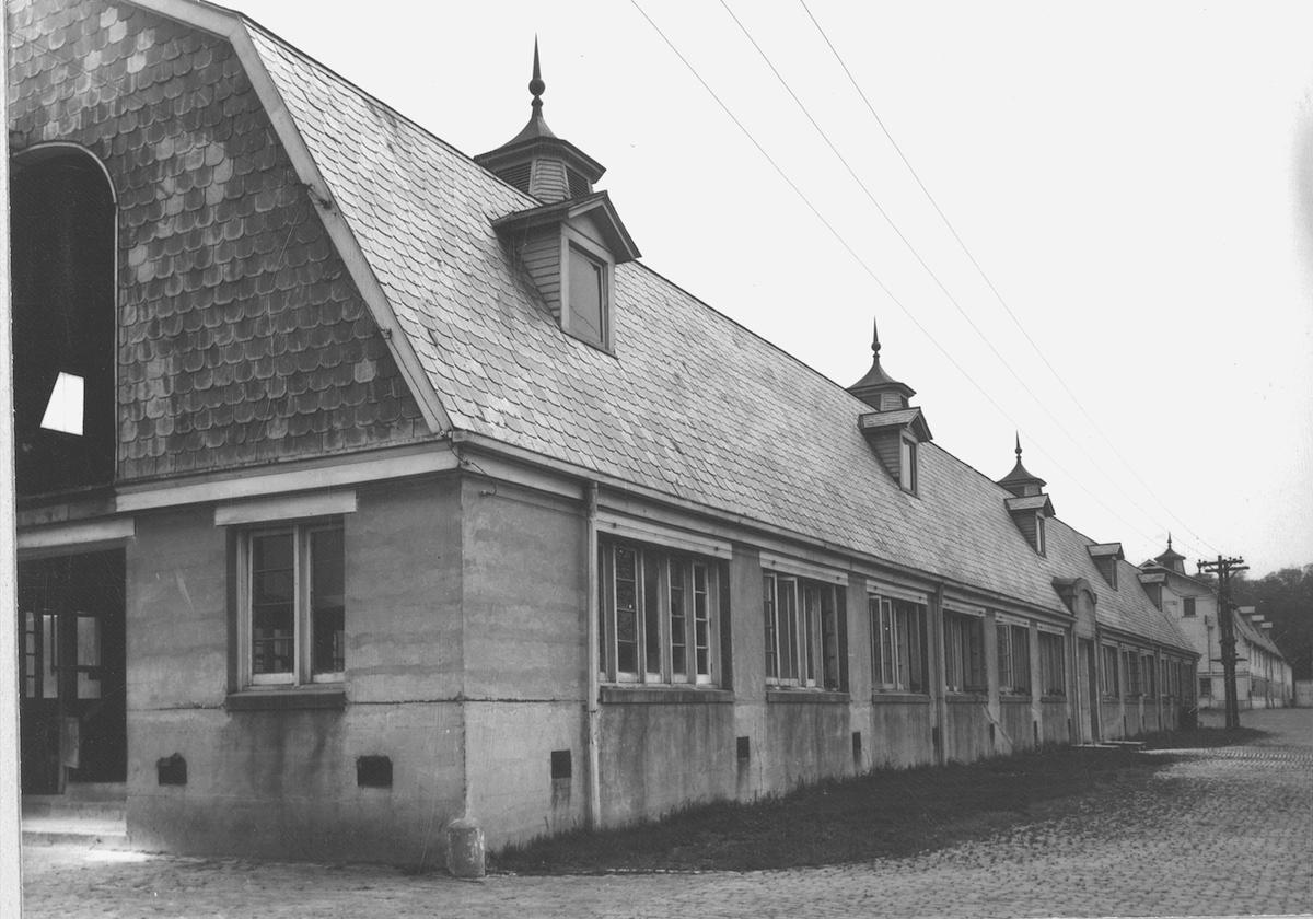 The Dairy Barn, pre-renovation, 1978 (dairybarn.org)