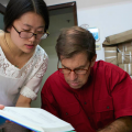Circle of Blue's Keith Schneider (right) with researcher Lilian Jingyang (circleofblue.org)