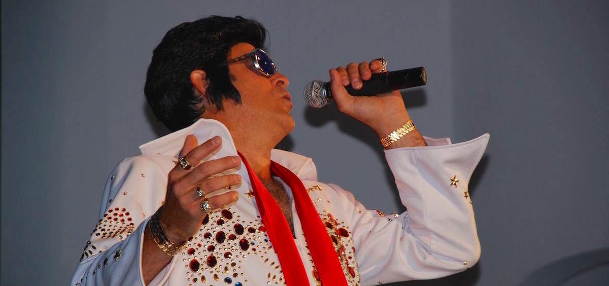 Alex Couladis as Elvis