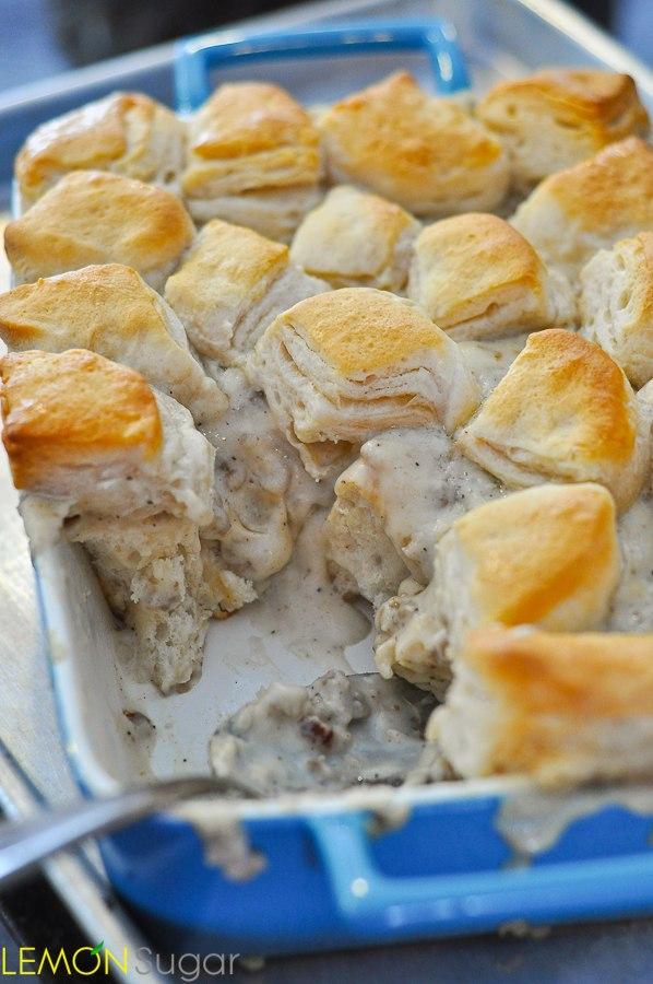 Biscuits-Gravy-Casserole