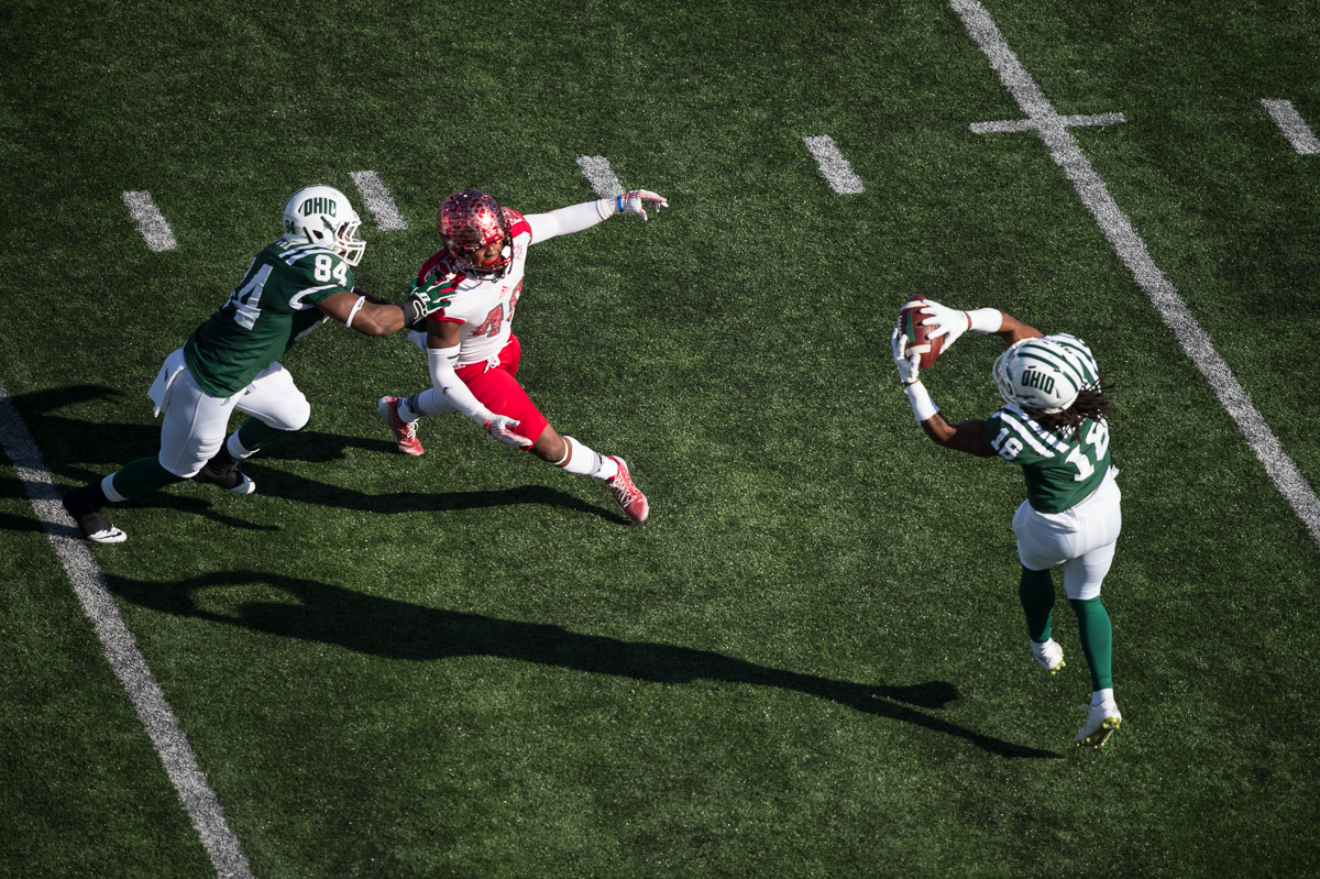 OU sophomore wide reciever Robbie Walker (#18) catches a pass from Derrius Vick during the homecoming game against rival Miami University on Saturday, Oct. 10,2015 at Peden Stadium in Athens, Ohio. The Bobcats defeated the Red Hawks 34-3.