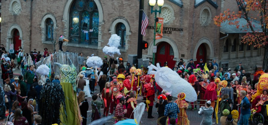 The parade stops at Washington and Court Street and turns around to go back to the Central Venue to store the giant puppets and clear the way for Church the following day on Saturday, Oct. 31, 2015. (Jeffrey Zide / WOUB)