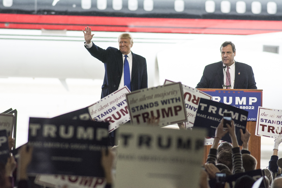 Trump makes campaign stop in columbus woub digital governor of new jersey chris christie makes a surprise appearance and introduces donald trump to a publicscrutiny Image collections