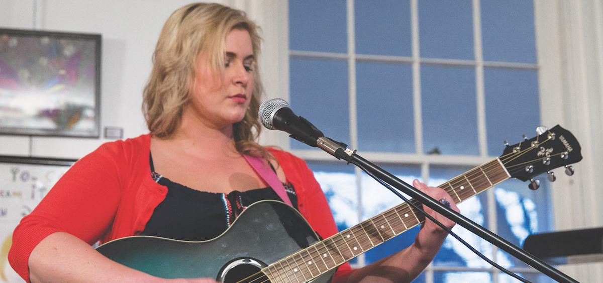 "Renée Stewart sings ""The Sound of Lonely"" at The Bowen House ""Women Speak"" event. (Kari Gunter-Seymour)"