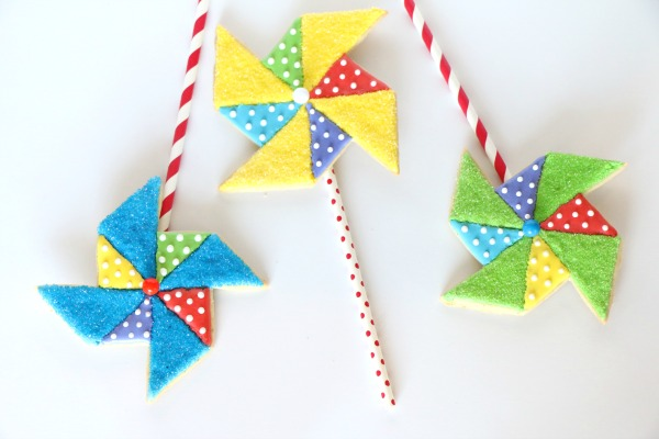 How-to-Make-Spinning-Pinwheel-Cookies