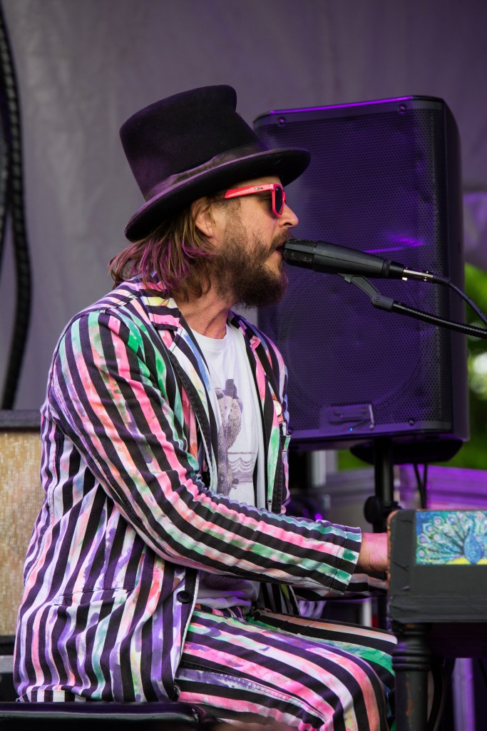 """""""Kiss the Viper's Fang,"""" starring members of Superhuman Happiness alongside Marco Benevento, played a David Bowie tribute set, closing out the Porch stage on Sunday. (WOUB/Jasmine Beaubien)"""