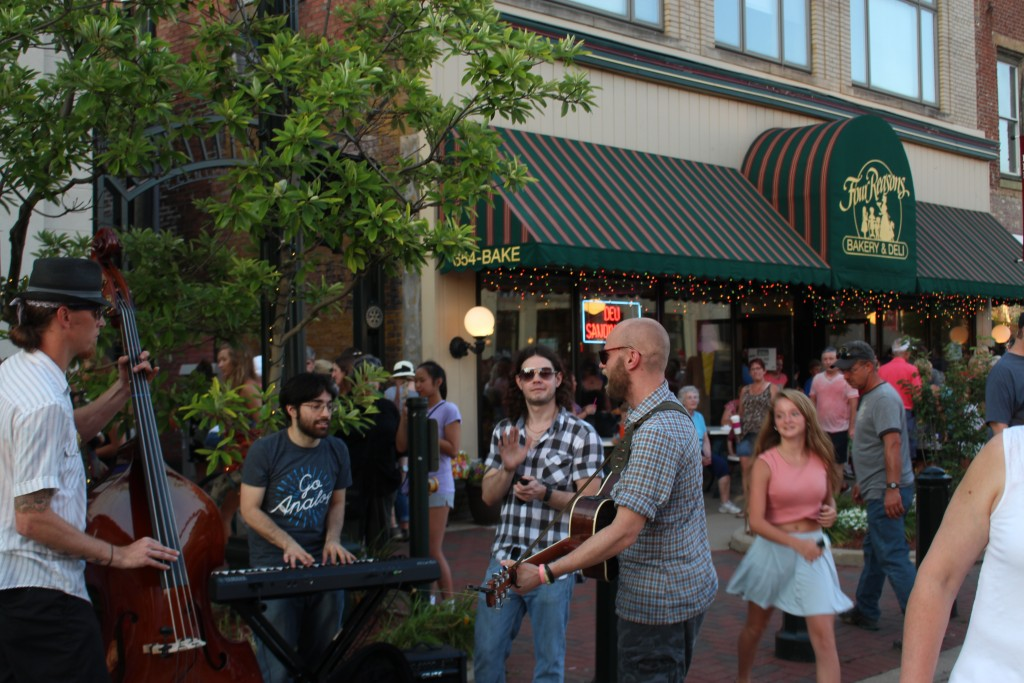 Those out and about for the 2016 edition of the Lancaster Festival artwalk enjoyed the sights and sounds of various street musicians throughout the evening. (WOUB/Emily Votaw)