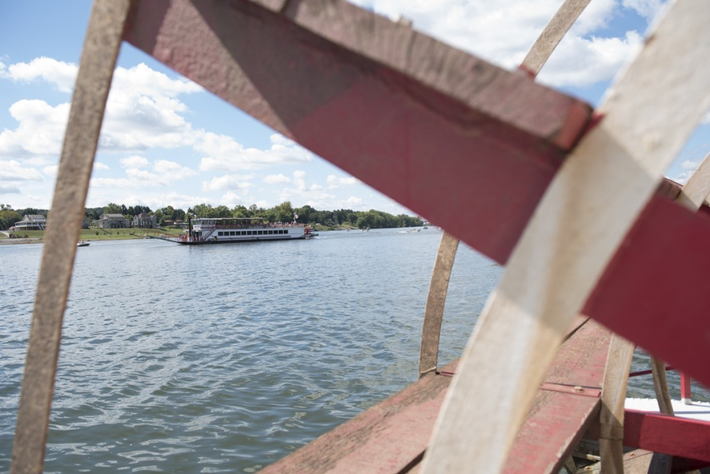 The Valley Gem gets into place for the highly anticipated 2016 Sternwheel Festival race down the Ohio River in Marietta, Ohio. (Robert McGraw/WOUB)