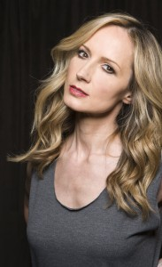 chely-wright_hi-res_photo-credit-matthew-rodgers_xz5o6227