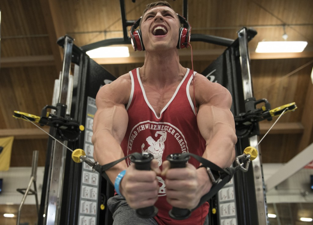 Nick lifts for the last time the day before his Arnold competition to give his body time to rest appropriately. (Robert McGraw/WOUB)