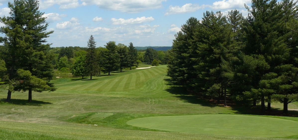 Golf County Club feature