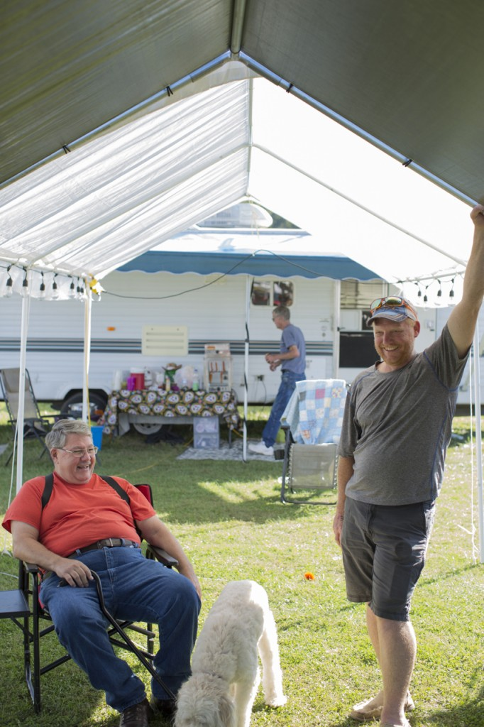 Keith Thomas, left, and Ryan Campbell at the Bob Evan's Farm Festival in Rio Grande, Ohio, on October 14, 2017. (Haldan Kirsch/WOUB)