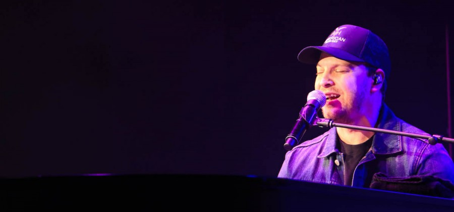 Gavin DeGraw performs at Ohio University's Templeton-Blackburn Memorial Auditorium. (WOUB/Emily Votaw)
