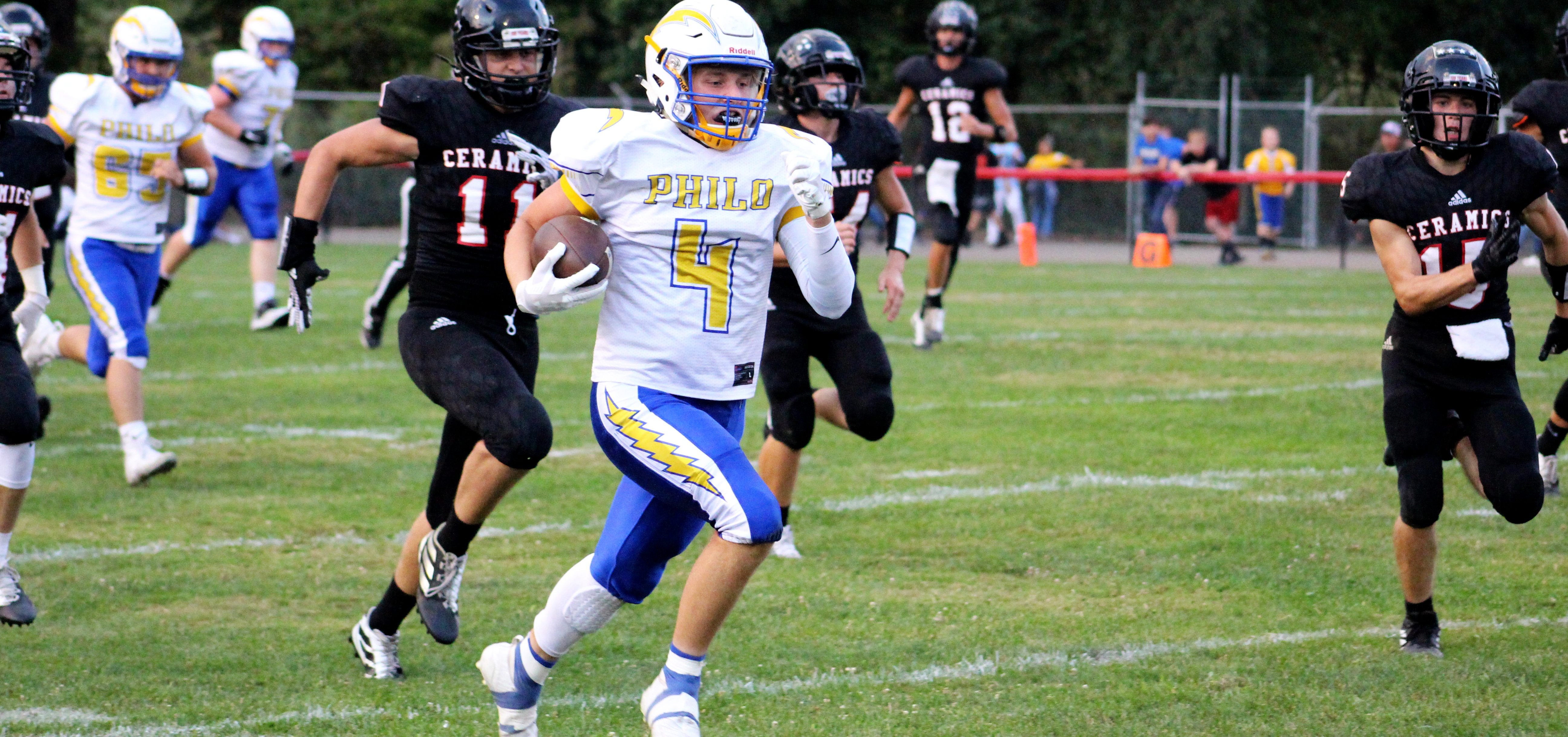Philo runner speeds past Crooksville defenders
