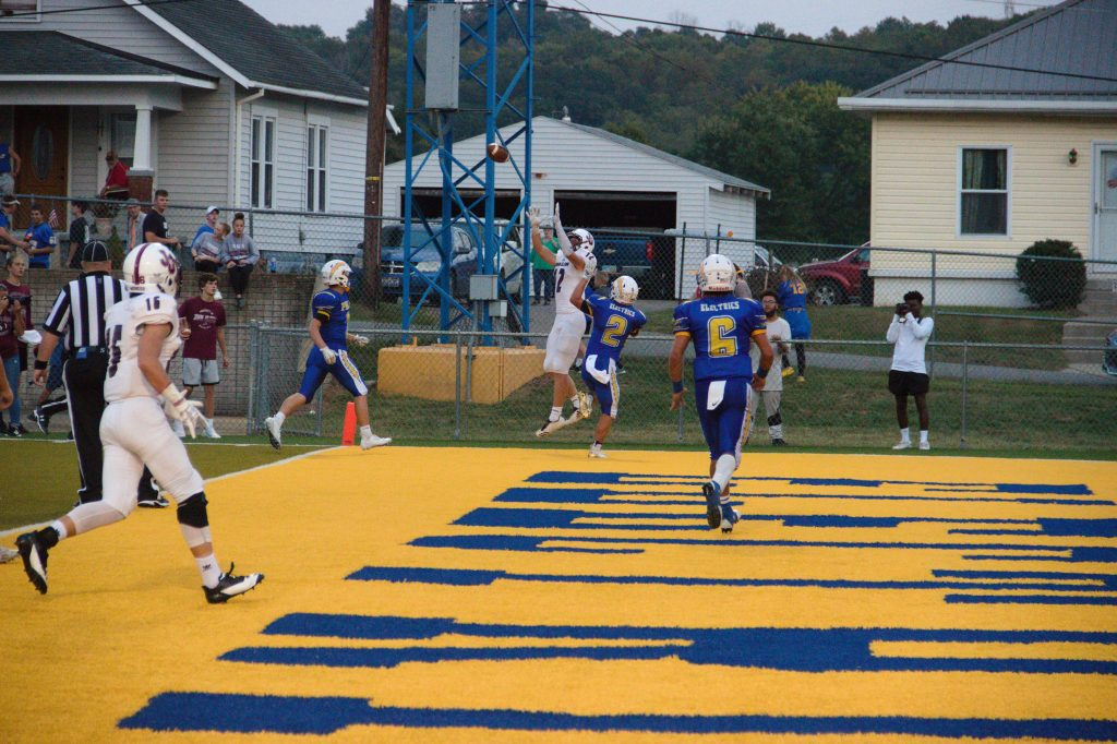 Reece Perkins snags a touchdown pass against the Philo Electrics  (Jacob Motta/WOUB)