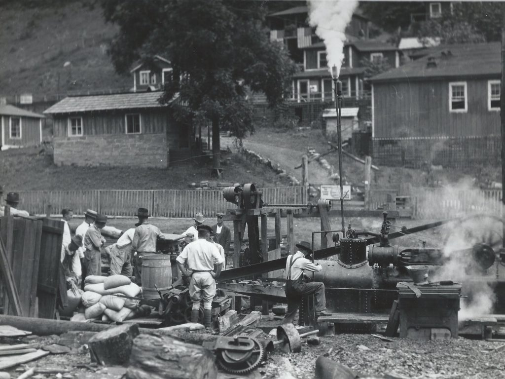 Residents of eastern Kentucky build what will become the campus of Alice Lloyd College.
