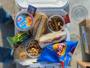 A picture of one of the lunch boxes assembled by Avalanche.