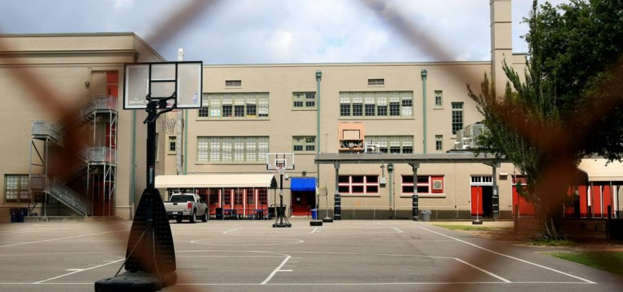 A school closed due to the COVID-19 epidemic in New Orleans.