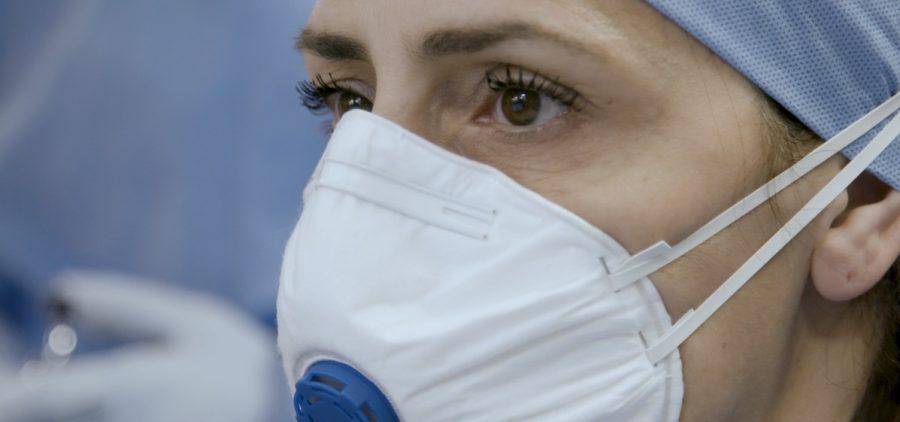 Nurse wearing N95 mask