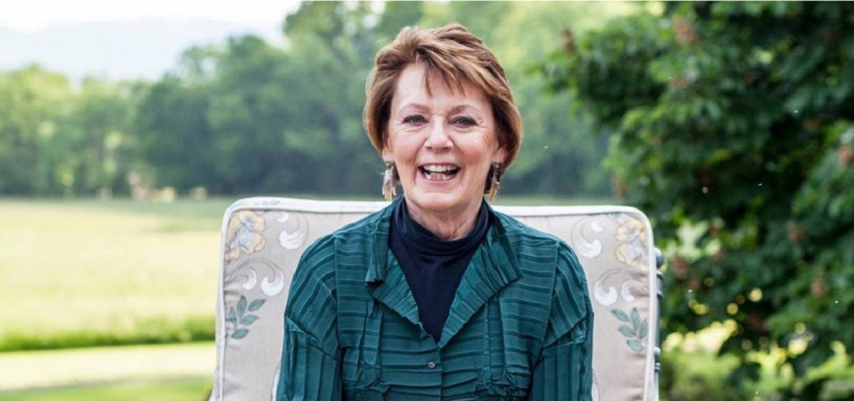 Beverly Jones Headshot