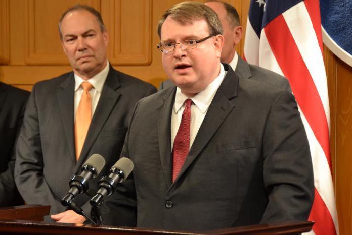 (from left to right) Sen. Bob Peterson (R-Washington Court House) and Senate President Larry Obhof (R-Medina), February 2019
