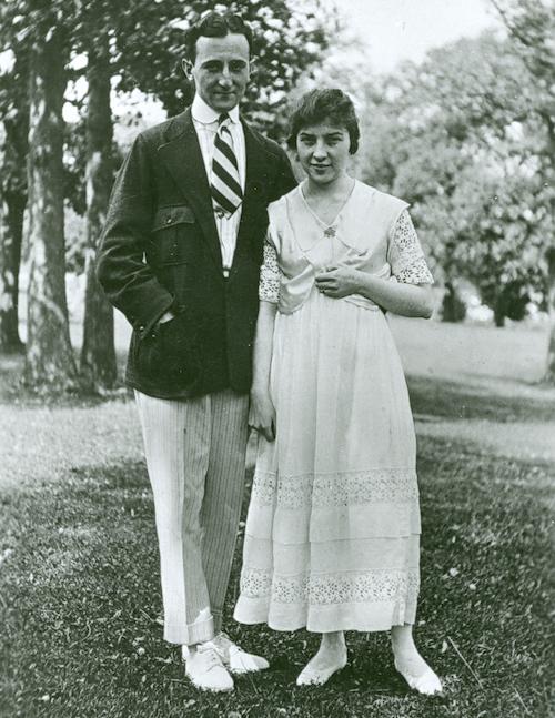 William F. Friedman and Elizebeth S. Friedman on the grounds of Riverbank Laboratories in Geneva, Illinois. 1917.