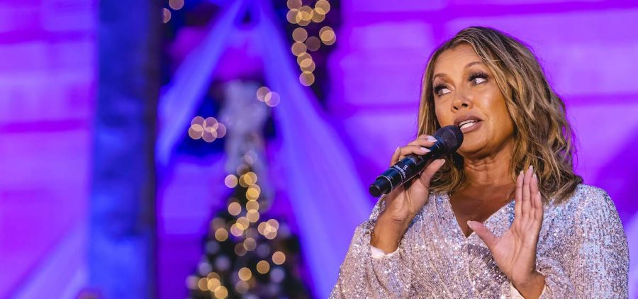 """Host Vanessa Williams performs """"What Are You Doing New Year's Eve?"""""""