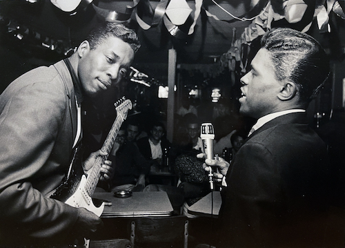 Buddy Guy and Junior Wells perform.