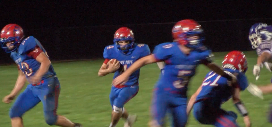 Fort Frye running back moves freely downfield